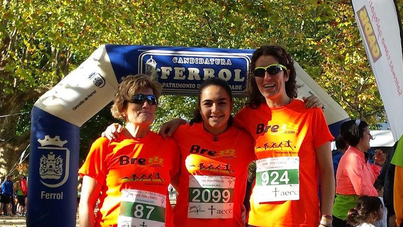 Usuarios de las almohadas de viscoelástica Brezzz, participan en la carrera contra el cáncer en Ferrol